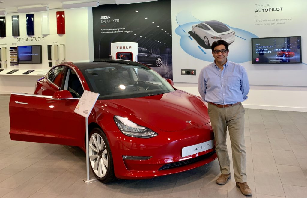 Ashvin Suri founder e-zoomed Tesla Showroom