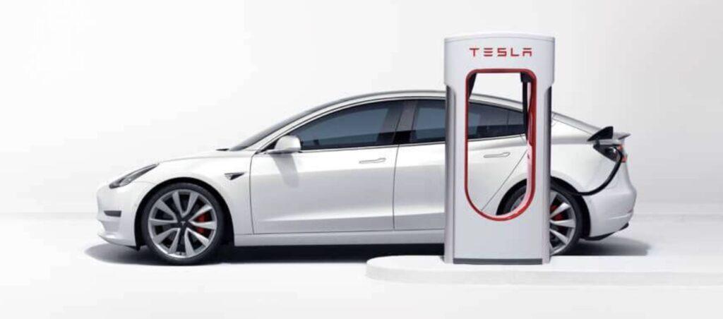 Der vollelektrische Tesla Model 3 (Quelle: Tesla)